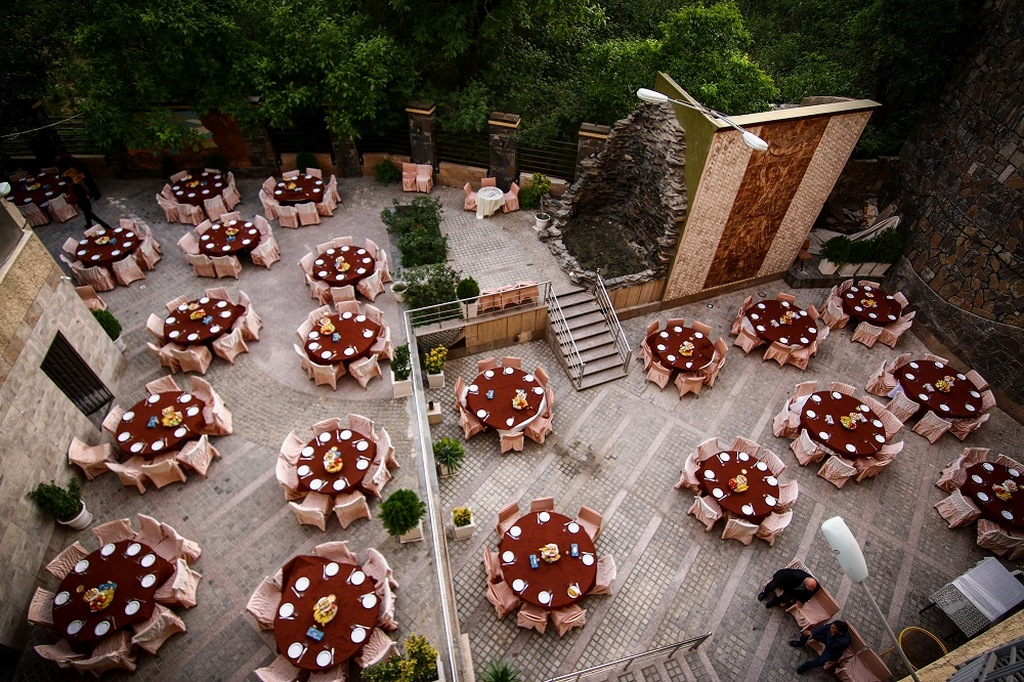 باغ رستوران آبشارهمدان